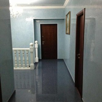 Пролесок. Вид коридора в сауне.